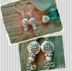 Jewelry - 🌼 WHITE HOWLITE GEMSTONE & SILVER LOTUS EARRINGS
